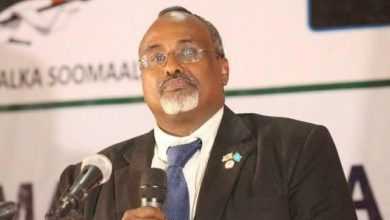 Photo of Mohamed Abdi Waare sworn in as HirShabelle's President  Share  Tweet  Email  Share