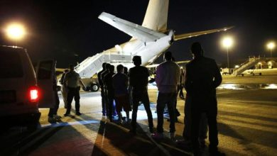 Photo of 92 Somalis being deported from the U.S. fly 5,000 miles to Africa before returning to Florida