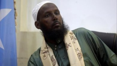 Photo of Somalia's al Shabaab denounces ex-spokesman as apostate who could be killed