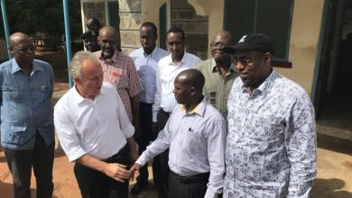 Photo of Meeting Somali refugees in Dadaab, UN official expresses solidarity and highlights progress in Somalia 15 Shares