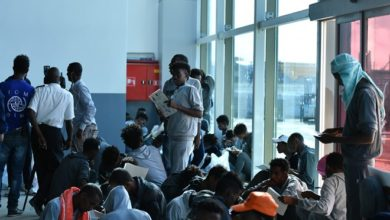 "Photo of ""Finally, I have been freed"" – 150 Somali migrants return home after detention in Libya"