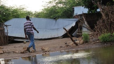 Somali families moving back in to flooded homes in Beletweyne amid fears of disease outbreaks