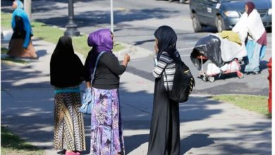 Photo of US allows hundreds of Somalis to stay until at least March 2020