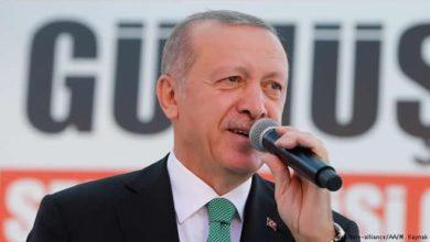 Photo of Erdogan warns of 'economic war' as Turkish lira carnage spooks global markets