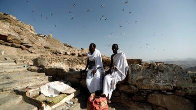 Photo of Muslim pilgrims flock to Mecca ahead of haj