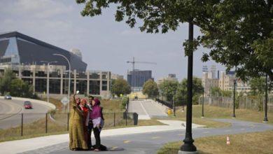 Photo of Minneapolis city leaders open 'Samatar Crossing'