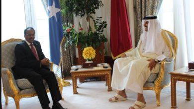 Photo of Qatar Amir holds phone talk with Somali president