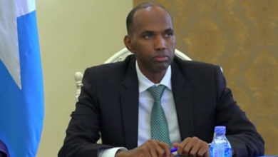 Photo of Somali PM suspends minister over scam charges