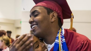 Photo of Mohamed in the middle: Somali teen struggles to find place after high school