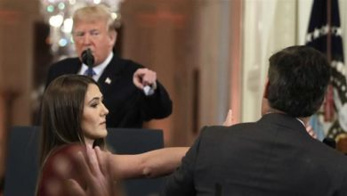 Photo of White House suspends CNN's Acosta after Trump confrontation