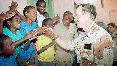 Photo of Bush's Somalia mission to save 'innocents' echoes today