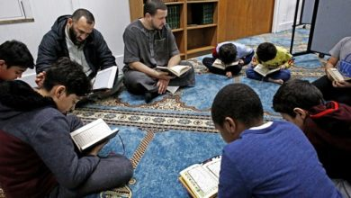 Photo of Many US mosques struggle to find right leader as expectations change