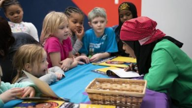 Photo of Minnesota author channels Rosie the Riveter to inspire kids with Somali refugee story