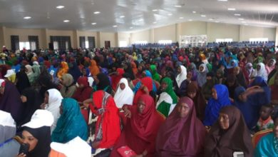 Photo of Dozens of Somali women abandoned by migrating husbands seek help through the courts