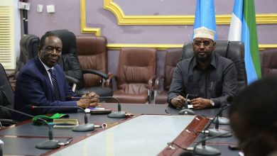 Photo of AU envoy in talks with Somalia regional state to secure main supply routes