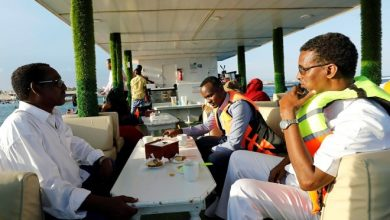 Photo of Somalis escape to the beach and a new floating restaurant