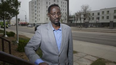 Photo of Somali governor in city seeking refugee protection