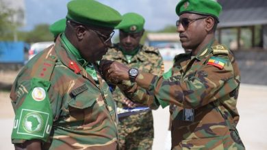 Photo of AMISOM honours officers for outstanding service