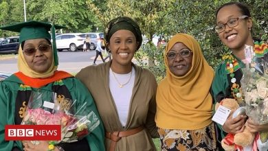 Photo of Mother and daughter graduate from US university on same day