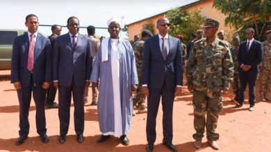 Photo of Foreign envoys laud integration of moderate Islamic group into Somali army