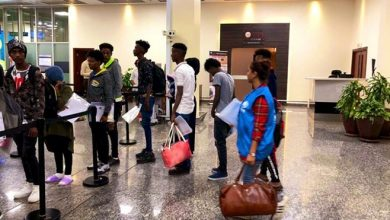 Photo of Refugees from Libya arrive in Rwanda, unaccompanied minors among first group