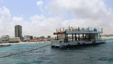 Photo of Far from the bombs: Somalis relax on floating restaurant
