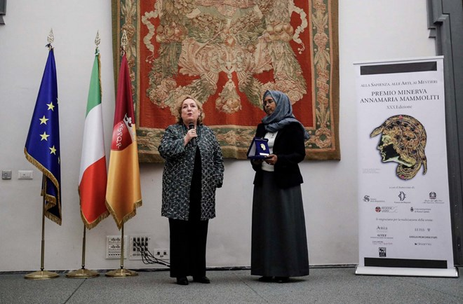 Photo of Somalia's Health Minister receives the Italian Minerva Award