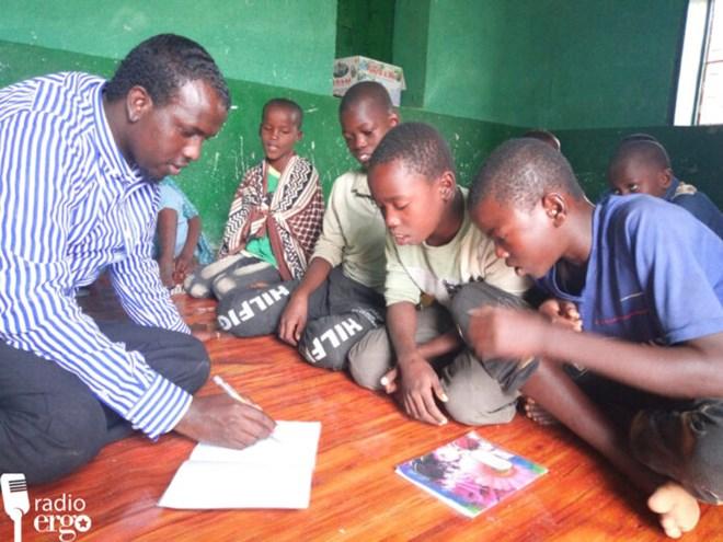 Photo of Somali street boys in Garowe enjoy school and good sleep