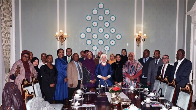 Photo of Turkish First Lady meets MPs, Somali diaspora in London