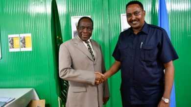 Photo of The Head Of AMISOM Meets With IGAD Executive Secretary
