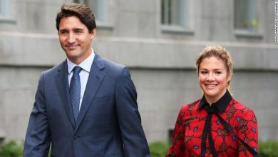 Photo of Sophie Trudeau, wife of Canadian Prime Minister, tests positive for coronavirus