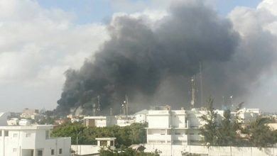 Photo of Somalia suicide bomber detonates in tea shop, killing 2