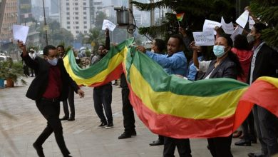 Photo of Ethiopians celebrate progress in building dam on Nile River