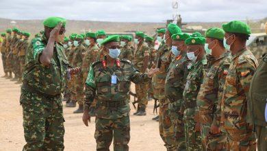 Photo of AMISOM Force Commander visits troops in Beletweyne
